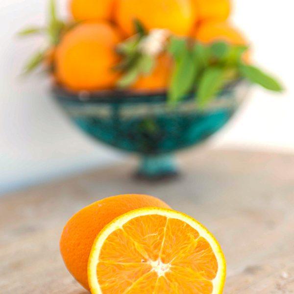 Naranjas de mesa cortadas
